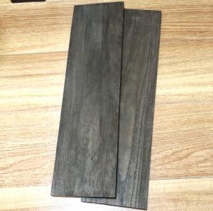 セリアの水性ニスで塗装した木材