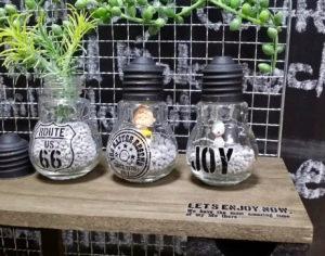 100均の電球瓶で作ったスヌーピーのテラリウム雑貨