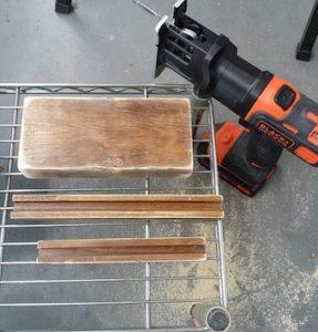 角を丸くした木材とジグゾー