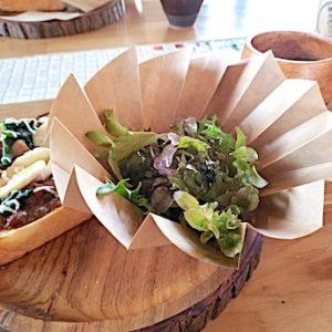 岸和田のカフェ「猿とモルターレ」のサラダ