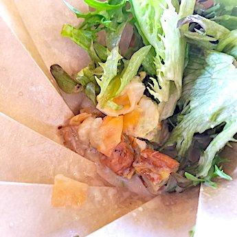 岸和田のカフェ「猿とモルターレ」のサラダの具材