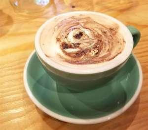 カフェ「グリーンウッドコーヒー」のホットチョコレート